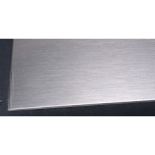 Лист нержавеющий 0.8 мм 1х2 AISI 430 N4/PE 0,8 мм AISI 430, AISI 409 N4, N5, 240 grit (шлифованный) AISI 430, AISI 409 2000 мм - Фото №1